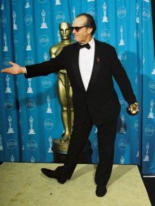 جک نیکلسن برای فیلم بهتر از این نمیشه، اسکار بهترین هنرپیشه مرد را به دست آورد.