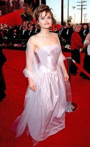 هلنا بونهام کارتر برای فیلم بالهای کبوتر نامزد اسکار بود.